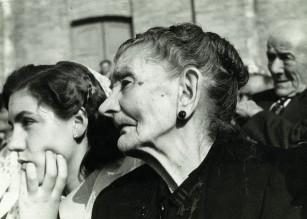 Detall homentatge a la vellesa, fotografia d'en J. Coma