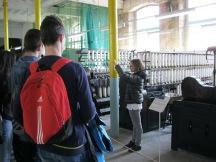 Visita dels alumnes de l'Institut Aiguaviva a la Colònia Vidal