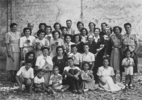 Grup de treballadores de les Cintes (Oliveras i Martí), 1949