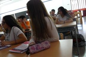 Presentació del blog Els nostres mestres als alumnes de l'Institut Vicenç Plantada (17)